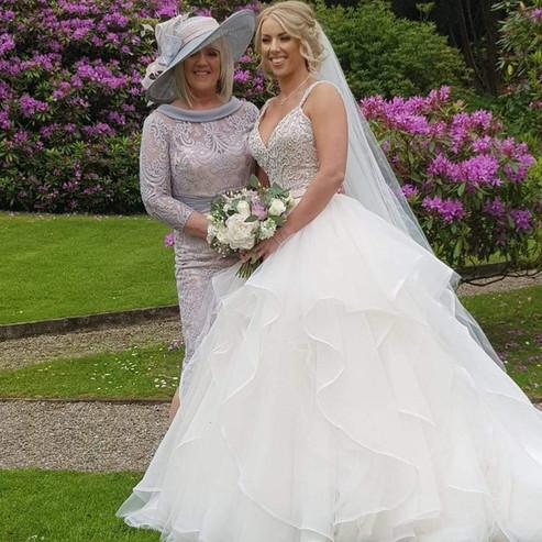 Mrs Dawn Cunningham & her daughter Leah