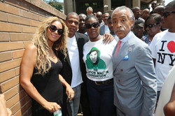 Beyonce-Jay-Z-Show-Support-At-Trayvon-Martin-Foundation-Rally-in-NYC-erica-vain
