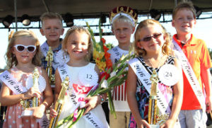 GLAD-PEACH ROYALTY… The Glad-Peach Prince and Princess Court of Honor (from the left) Ella Spies, Daniel Zan-darski, Reaghan Prestidge, Ross Smothers, Payton Yeske, and Roman Arndt. (TCR photo by Christina Geld-er)