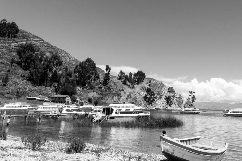 Petit port sur l'Isla del Sol sur le lac Titicaca