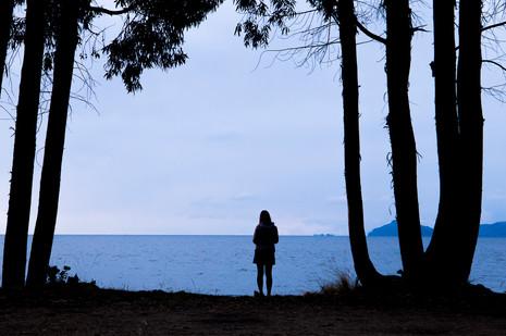 Marcher le long du lac Titicaca en Bolivie