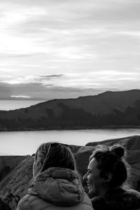 Admiration du coucher de soleil sur le lac Titicaca