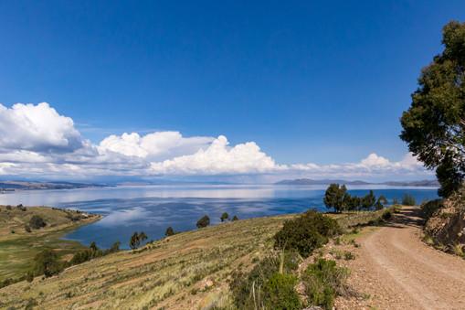 Premier apercu du lac Titicaca en arrivant de La Paz
