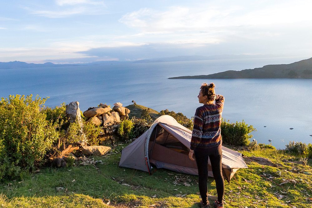 L'Odyssée des Renards fait du camping sauvage au dessus du lac Titicaca en Bolivie