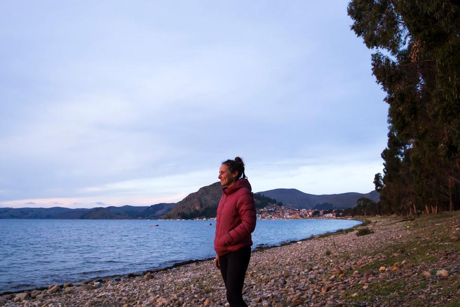 Contempler le lac Titicaca à Copacabana en Bolivie