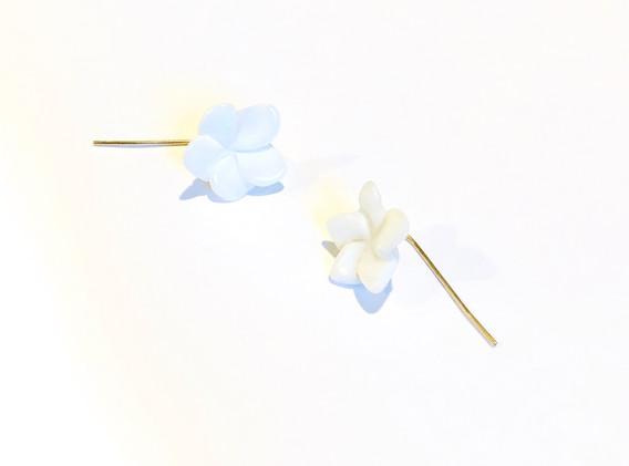 paper white earrings