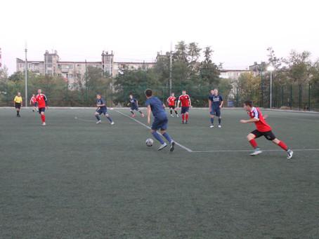 """На искусственном поле стадиона """"Зенит"""" начался открытый футбольный турнир"""