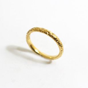 22ct yellow gold hand carved ring. Grey-Harris & Co hallmark. Also available in 18ct gold and platinum. £675.00