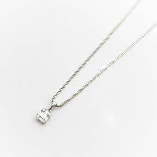 18ct white gold diamond pendant comprising of baguette and round brilliant cut diamonds. Total wegith 0.65ct, G colour, Vs1 clarity. £1,450.00