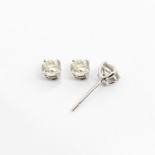 18ct white gold diamond stud earrings. The modern brilliant cut diamonds 0.76ct each, J/K colour, Vs2 clarity. Total diamond weight 1.52cts. £5,500.00