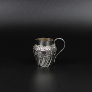 Floral and fluted 1892  1 ½ oz  £ 85.00