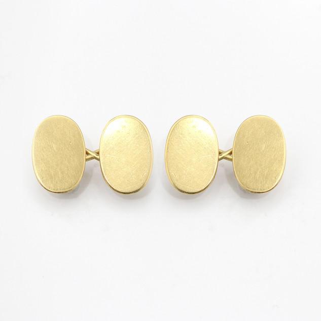 18ct yellow gold oval chain cufflinks. £475.00