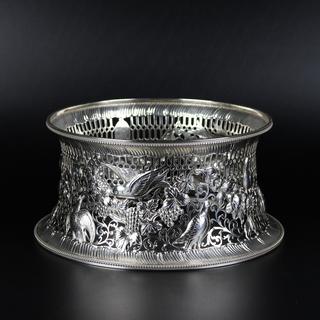 Westersons Dublin 1908 Dish ring / Potato ring – a reproduction of an Irish 18th c model.   13oz  £1450.00