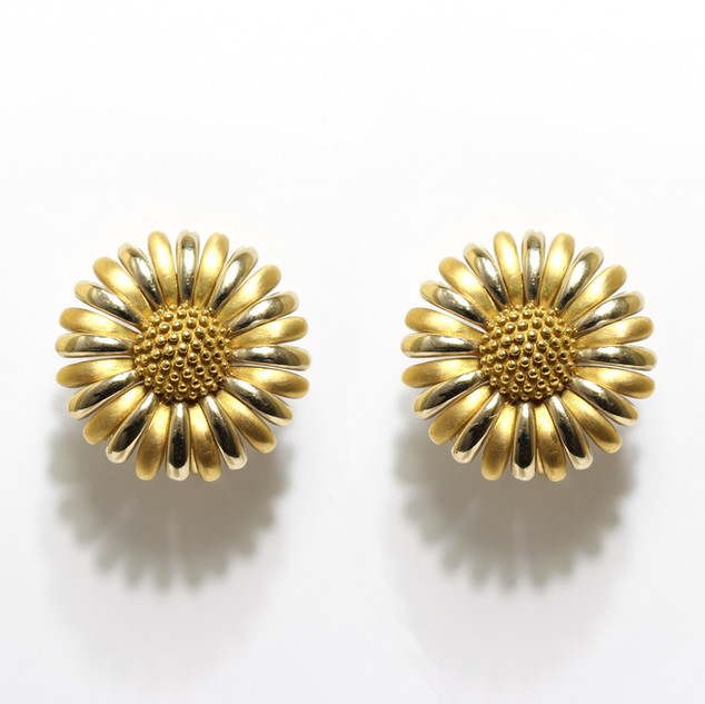 Aspreys 18ct gold brushed and polished gold flower stud earrings with post and clip fittings. £2,850.00