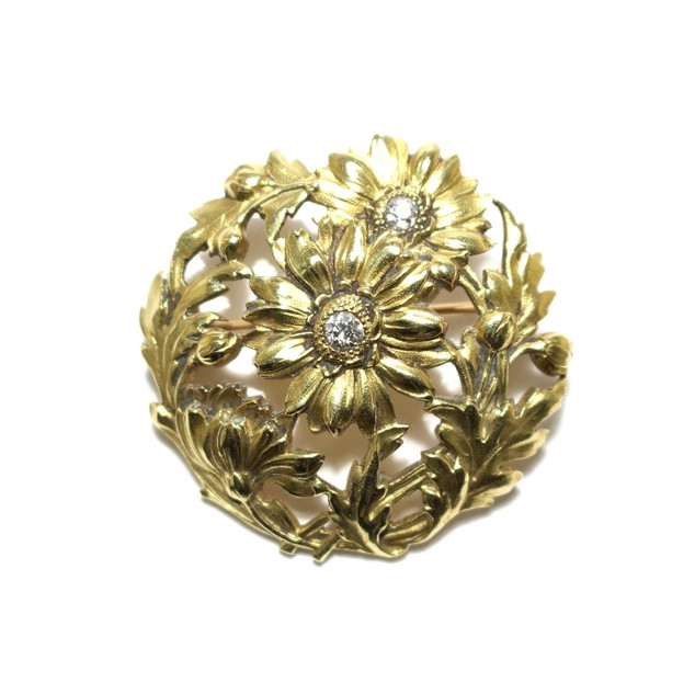 A french 18ct gold and old cut diamond brooch. Circa 1890. £1,650.00