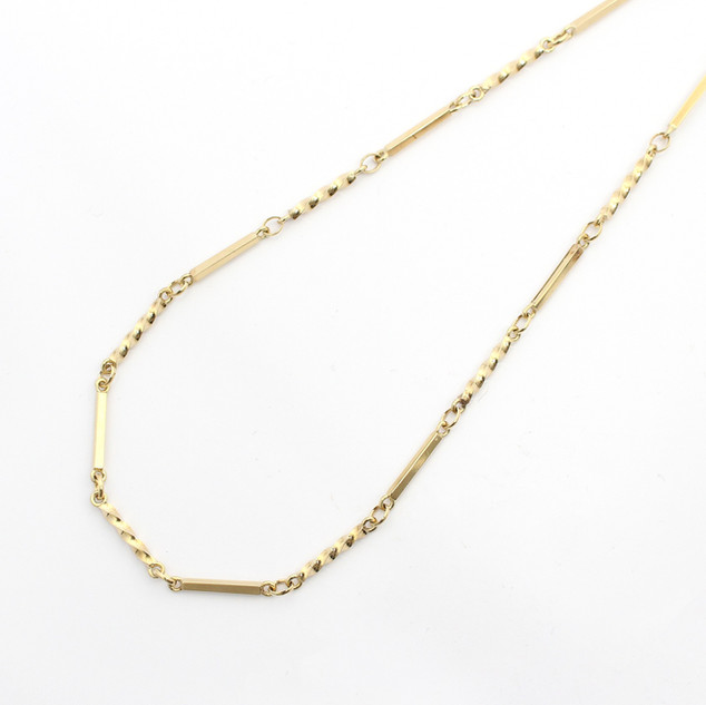 9ct yellow gold box and twist link necklace. 18 inch length. £850.00