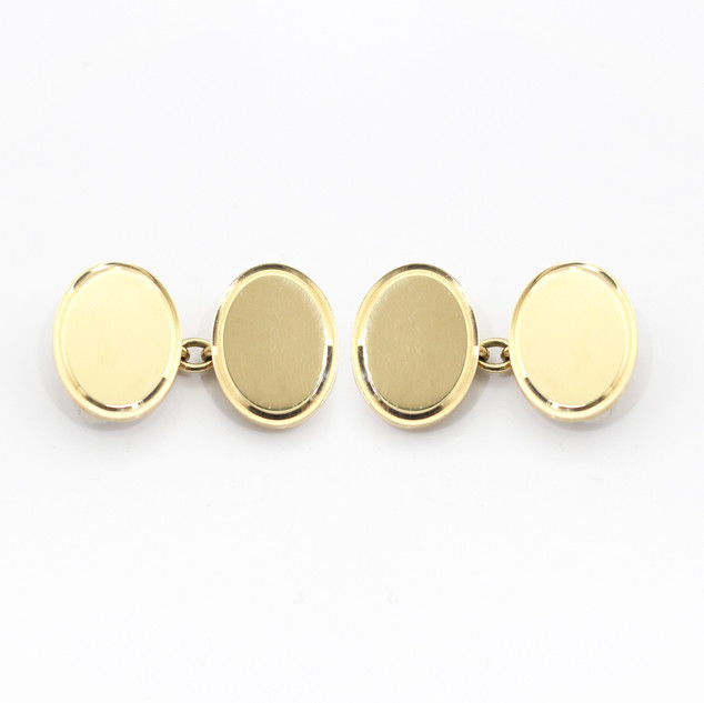 9ct yellow gold oval chain cufflinks. £750.00