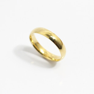 A 18ct yellow gold 'Court' profile heavy weight wedding ring. Most wedding rings are priced by weight. This example is 4mm width and is a size S. £625.00