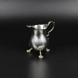 Reproduction George II pear shaped on three legs  Edward Barnard  1979 4 oz  £200.00