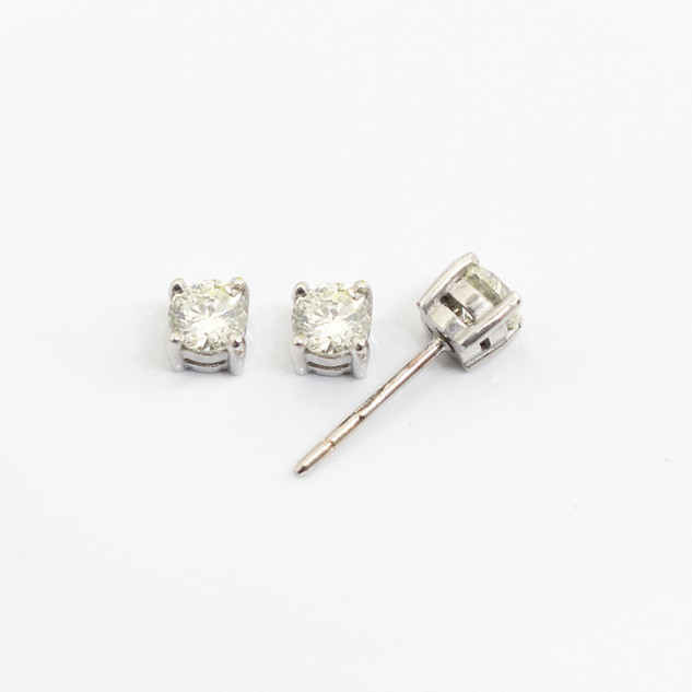 18ct white gold diamond stud earrings. The modern brilliant cut diamonds 0.30ct each, J/K colour, Si2 clarity. £1,850.00