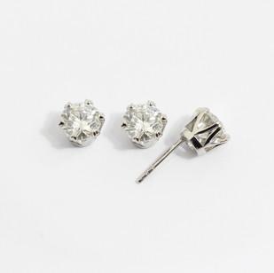 Platinum diamond stud earrings. The brilliant cut diamonds totalling 2.06cts. Certified H colour, Vs2 clarity. £16,5000.00