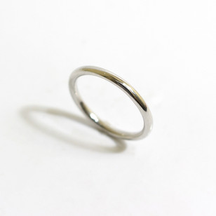 A 2mm platinum heavy weight 'curtain ring' wedding band. Grey-Harris & Co hallmark. Most wedding rings are priced by weight. This example is a size M. £450.00 Please enquire for alternative price and sizing.