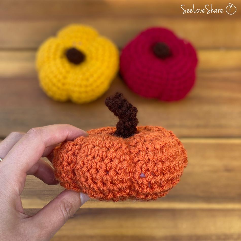 Mini Crochet Pumpkin Embellishments Free Pattern
