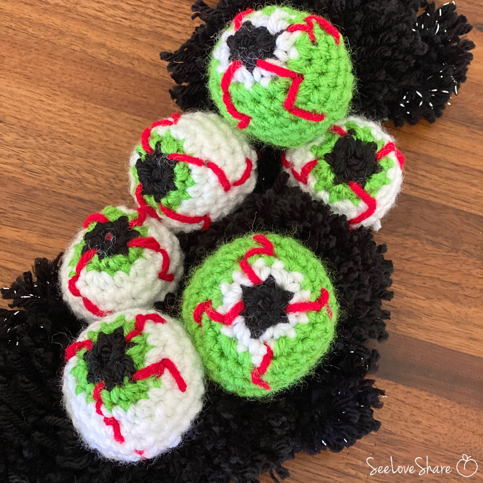 Crochet Bloodshot Eyeballs - Free Pattern