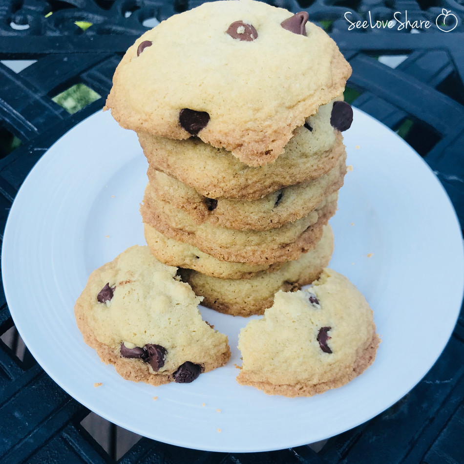 Coconut Oil Chocolate Chip Cookies (and Gluten-Free!)