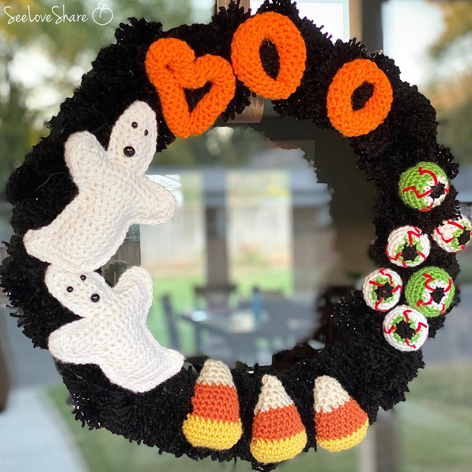 Create a Halloween Wreath: A Family of Free Crochet Patterns and Ideas