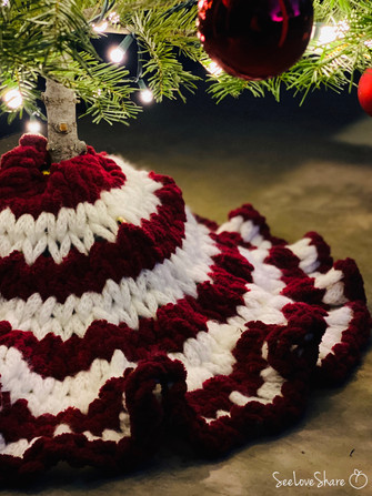 Blanket-EZ-Mini Tree Skirt - A Free Pattern
