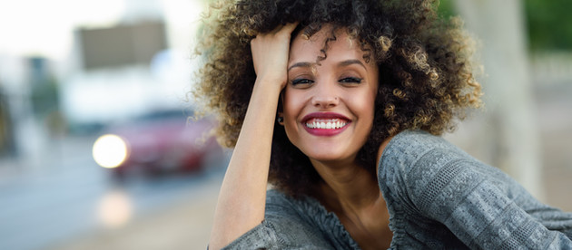 Why Your hair is always Frizzy, and how you can stop it.