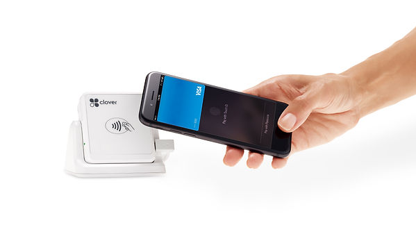 Clover_Go_on_Stand_Contactless_Payment_2
