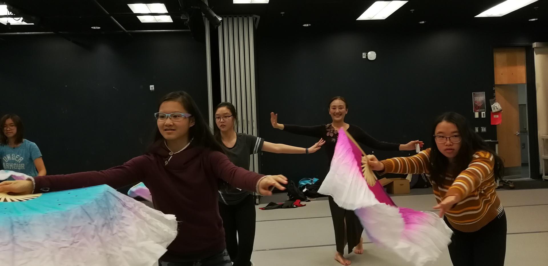 课外活动-中国舞.jpg