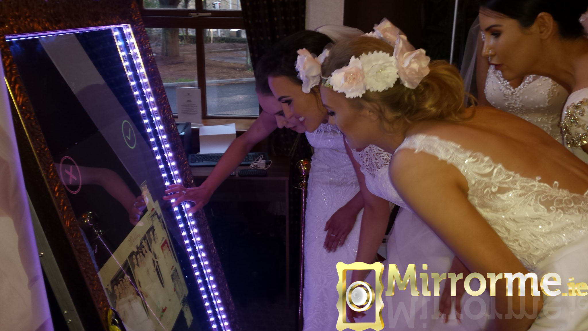 Mirrorme Booth 1