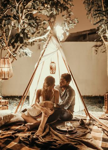romantic-travel-marketing.jpg