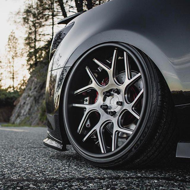 2016 Hyundai Genesis (2).jpg