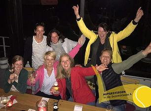 Damen_30_aufgestiegen_edited.jpg