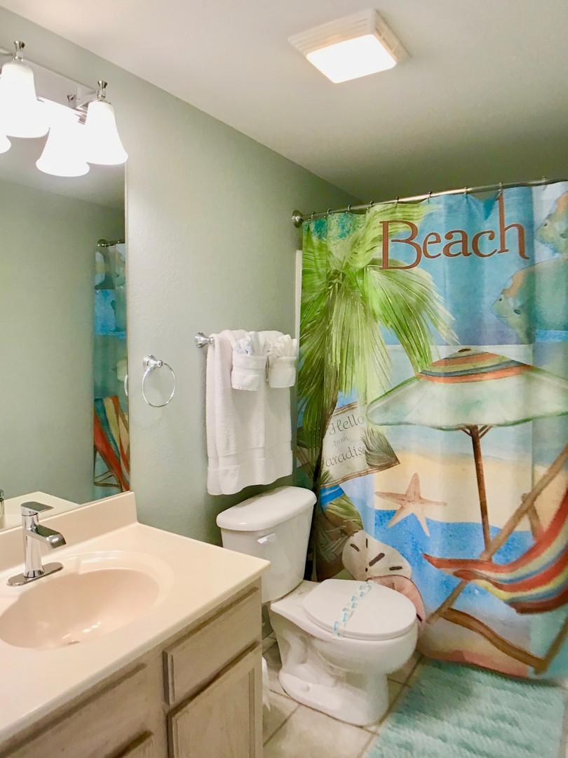 First floor bathroom w_tub-shower combo