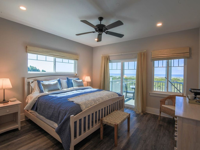King Master Bedroom 1 Gulfside Opens to