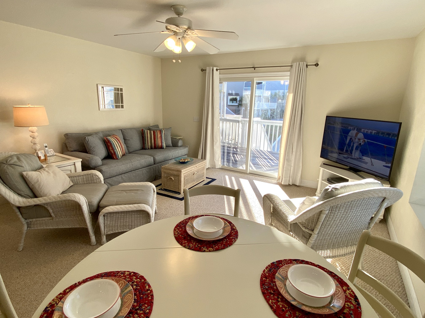 Dining & living area opens onto large deck