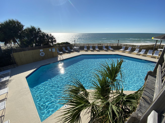 Spectacular gulf front pool