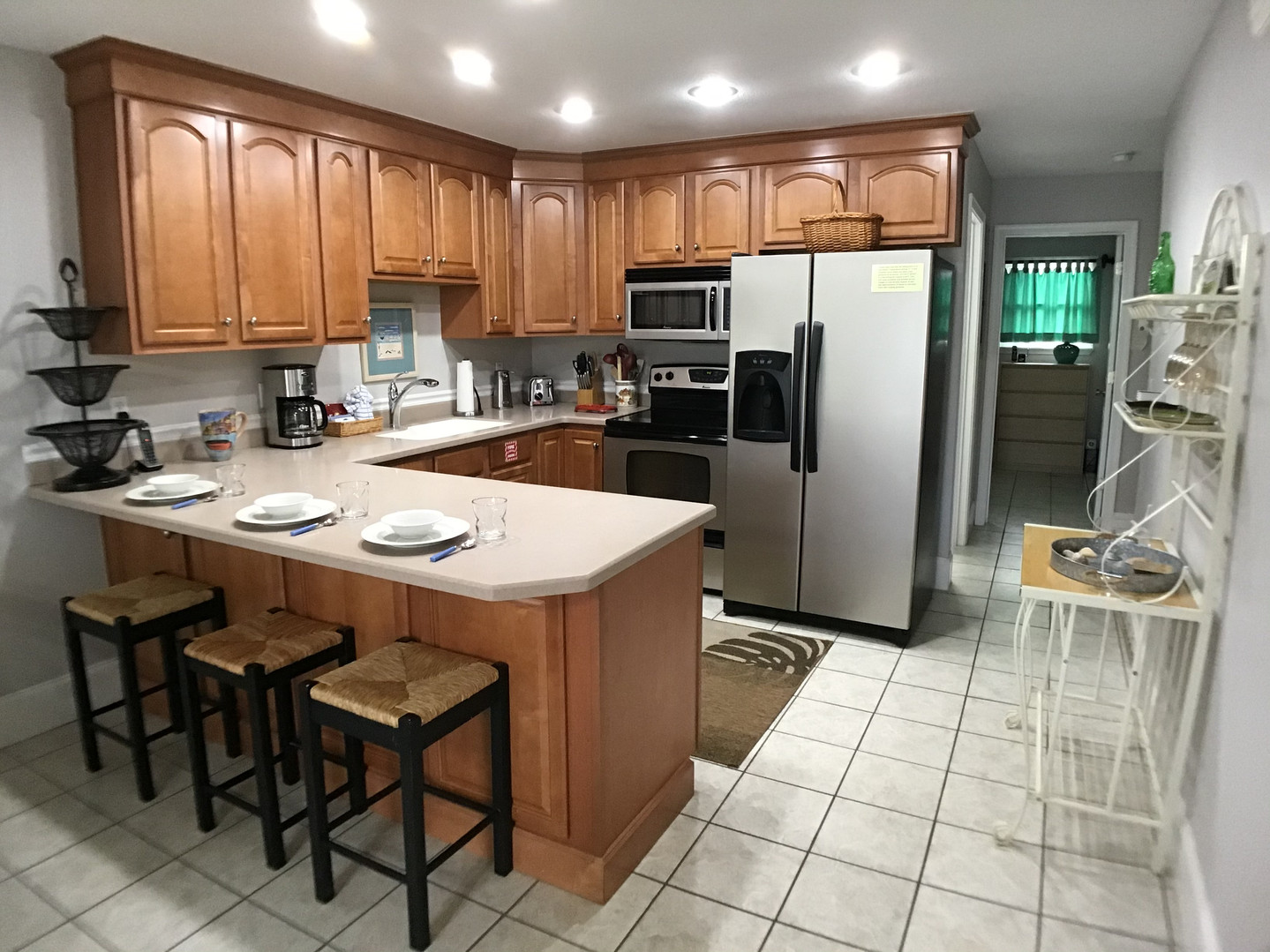 Well-stocked and updated kitchen