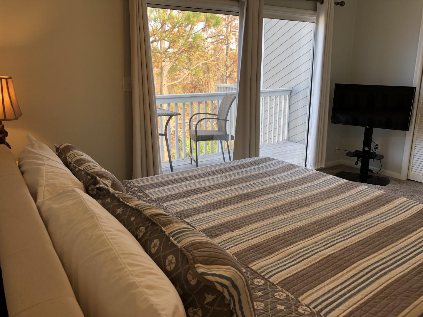 King One Bedroom-Deck