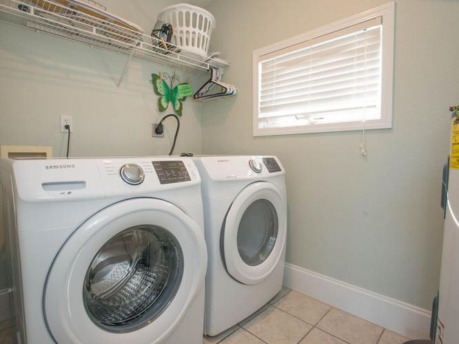 Laundry w_new washer & dryer