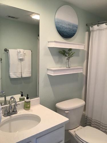 13 First Floor Bathroom with Shower_Tub