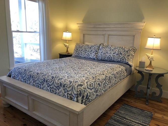 Bayside Queen Bedroom 1st Floor