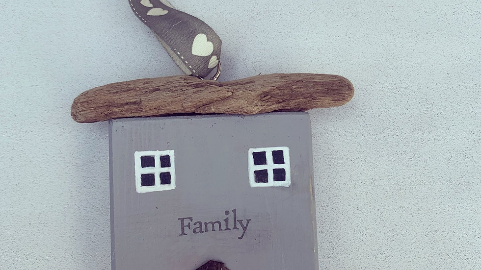 Wooden hanging house 'family'