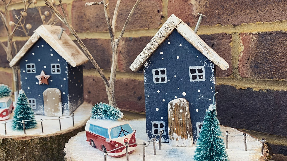 VW CAMPERVAN Christmas scene
