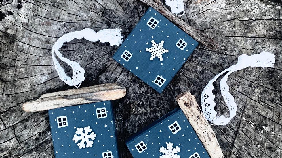 Snow flake hanging house